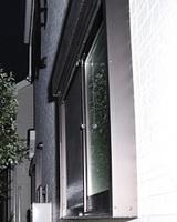 新築なのに「防犯貧弱」。劇的改善を狙う ――「いちばん危ない窓」にはシャッターがいいのか? 面格子か? その「結論」